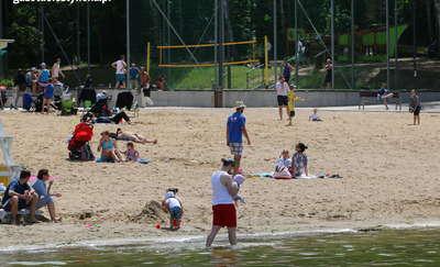 Ruszył sezon na plaży miejskiej w Olsztynie. Pierwsze kąpielisko otwarte!
