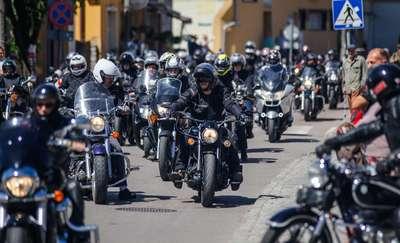 Motocykliści opanowali Tolkmicko. Zobacz to na zdjęciach!