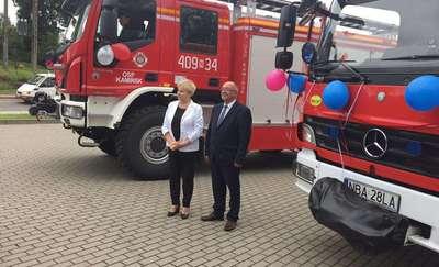 OSP Kamińsk i OSP Pieszkowo otrzymały samochody pożarnicze