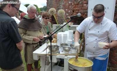 Jak smakuje zupa z pokrzyw?