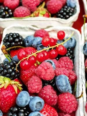 Które owoce nie pójdą nam w biodra?