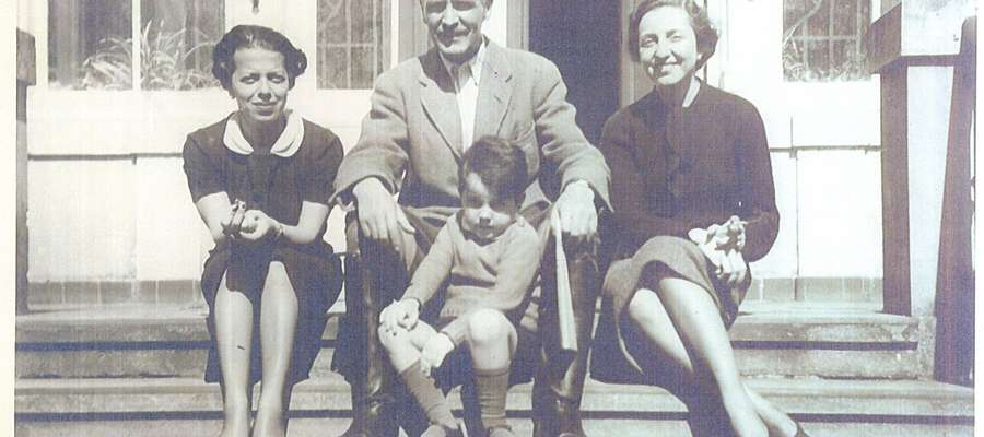 Od lewej: Greczynka – przyjaciółka małżeństwa Krahmer, dr Hans-Jürgen Krahmer (na kolanach syn Peter, ur. 1934 r. w Drulitach), jego żona Anna z domu Protopapadakis, córka premiera Grecji Petrosa Emanuela Protopapadakisa