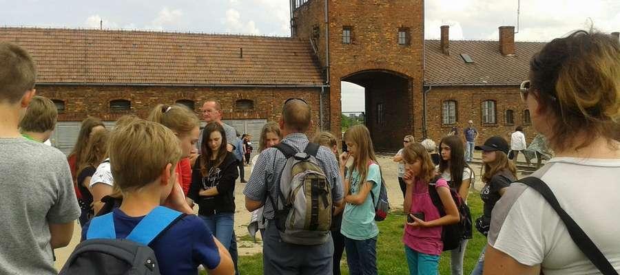 Uczniowie w Auschwitz – Birkenau