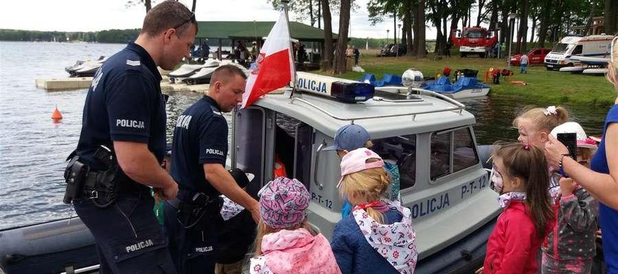 Spotkanie policjantów z dziećmi