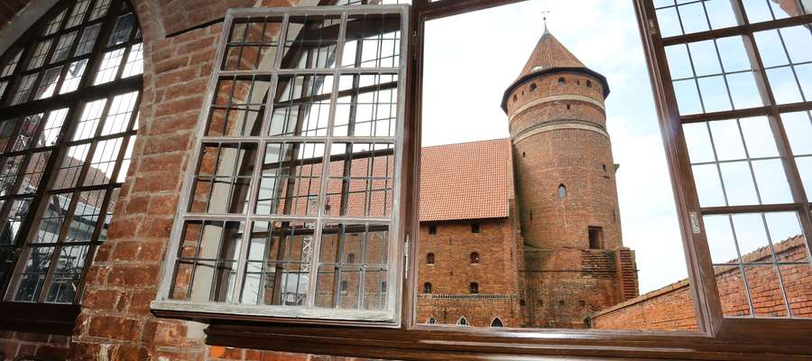 Zamek Olsztyński  Olsztyn-olsztyński zamek