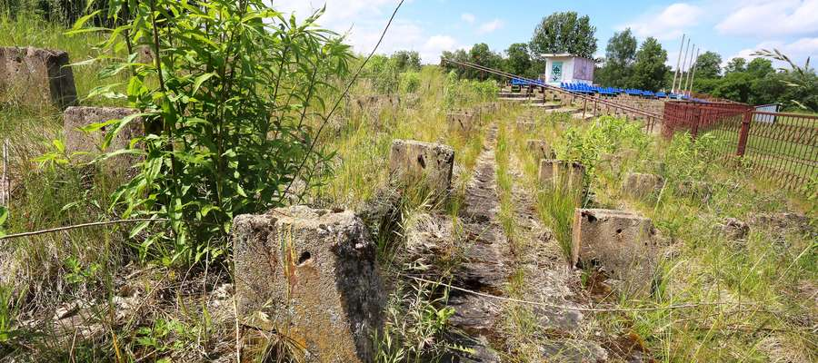 Stadion Warmii  Olsztyn-Stadion Warmii zniszczony i zaniedbany czeka remontu i inwestycji.
