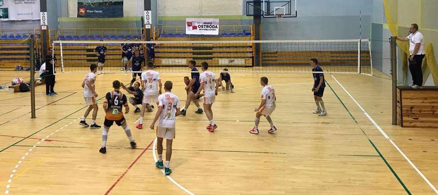 Trzynaście drużyn wystąpiło w krajowym finale 16. Licealiady w Ostródzie