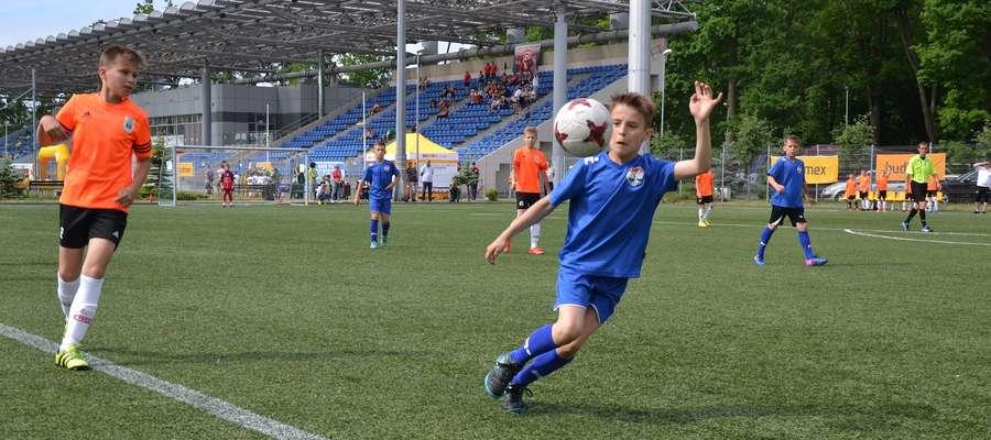 Piłkarze Sokoła Ostróda są młodsi od przeciwników, ale dzielnie radzą sobie na Ostróda Cup 2017