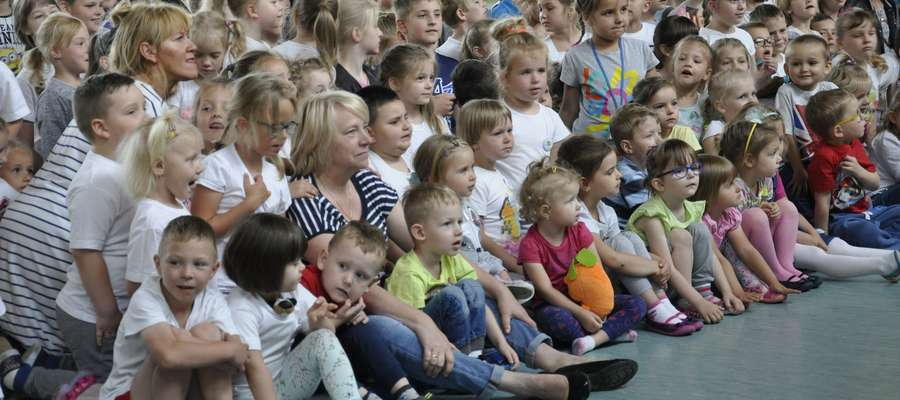 """Dla dzieci z """"dwójki"""" przygotowano niespodzianki z okazji Dnia Dziecka"""