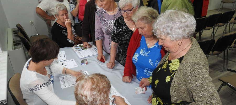Karta Seniora również w Biskupcu cieszyła się dużym zainteresowaniem