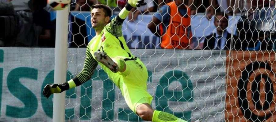 Łukasz Fabiański dwa razy wyciągał w Mariborze piłkę z siatki