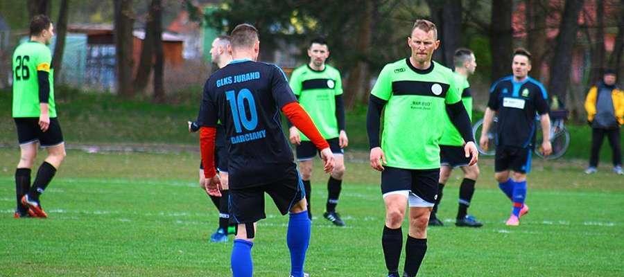 Jednym z zespołów, który napsuł najwięcej krwi Jurandowi, był Żagiel. Ekipa z Piecek ostatecznie zdetronizowała naszych piłkarzy i awansowała z 1. miejsca.