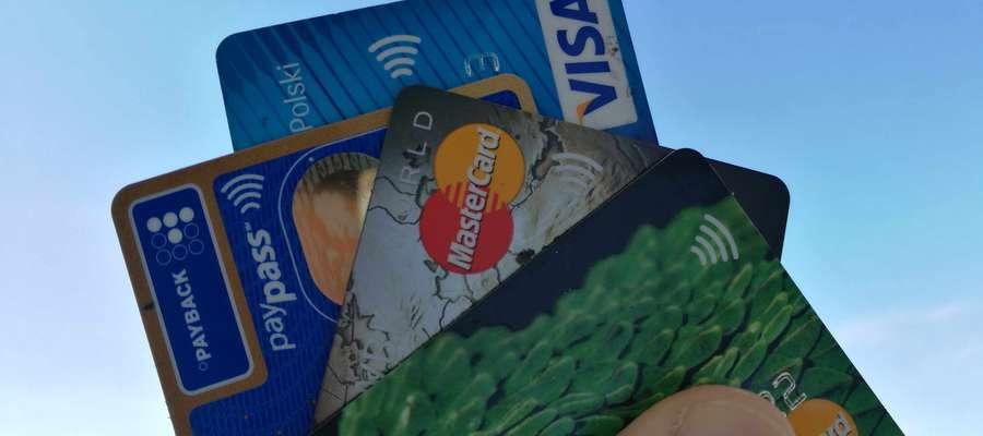 Znalazł kartę bankomatową i postanowił z niej skorzystać