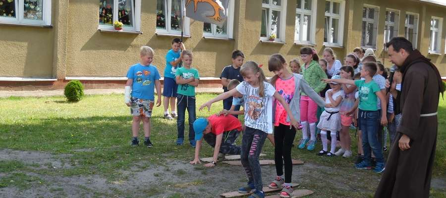 Podczas rycerskich konkursów w szkole w Boleszynie