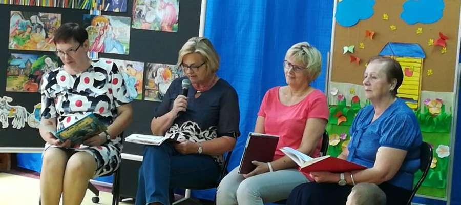 Mirosława Piwowarczyk, Krystyna Jankowska, Halina Wiśniewska i Barbara Jasiak gościły w przedszkolu