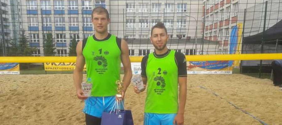 Piotr Łukasik (z lewej) i Marcin Ociepski byli najlepsi podczas nocnego grania w Białymstoku
