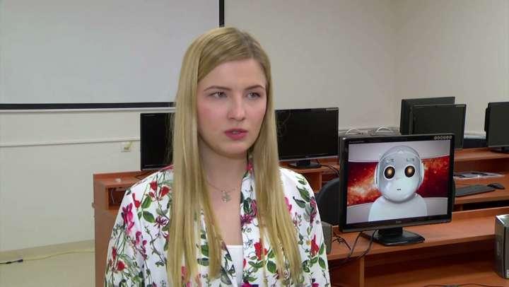 — Aplikację stworzyłam dla niepełnosprawnej dziewczynki. Posługiwała się nią wykorzystując pismo obrazkowe i piktogramy —wyjaśnia Natalia Browarska. - full image