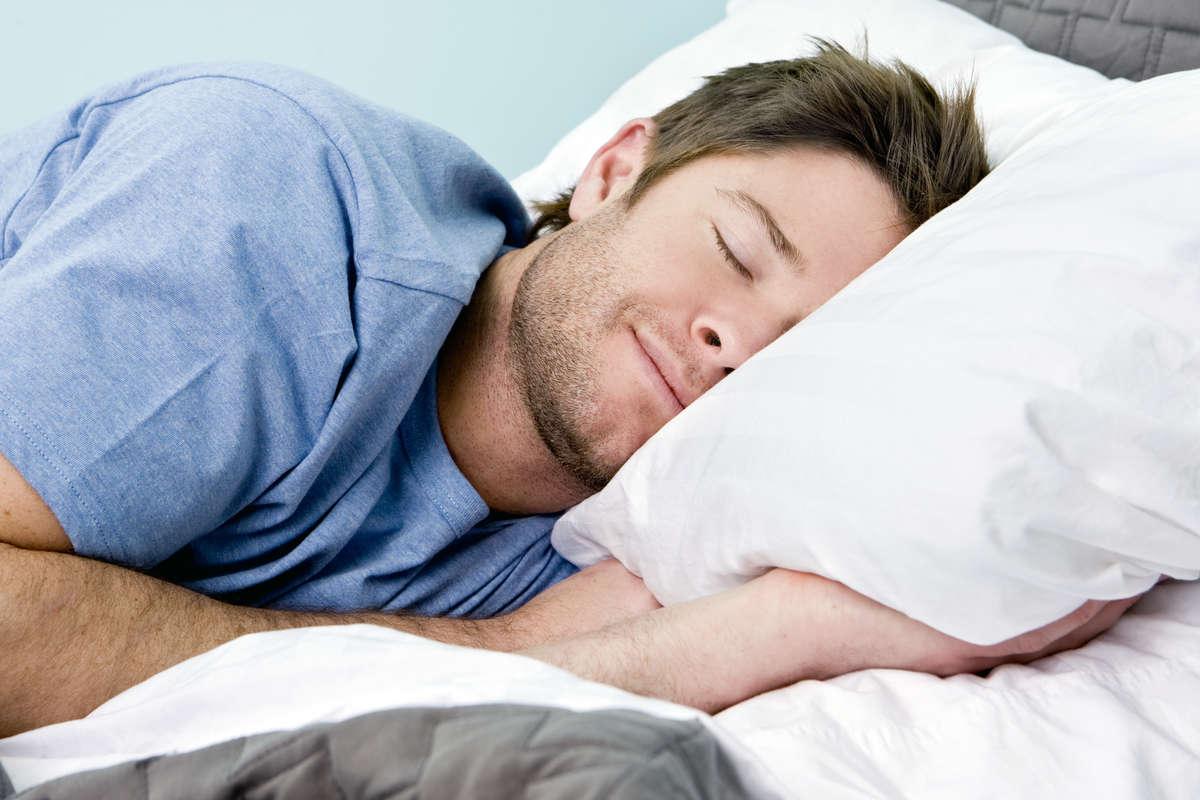 Śpij i daj spać innym. Jak walczyć z chrapaniem? - full image