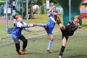 Turniej piłki nożnej, unihokej i wyścigi na hulajnogach - sierpniowa propozycja OSiR w Lubawie