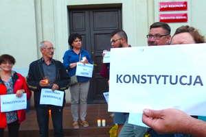 Protest przed Sądem Rejonowym w Nowym Mieście Lubawskim