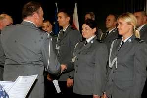 Awanse i odznaczenia na Święto Policji. Padły obietnice budowy nowej komendy