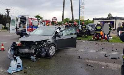 Wypadek w Pieniężnie. Dwie osoby w szpitalu