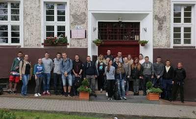 Studenci remontują dom samotnej matki w Olsztynie. Budynek odzyska blask