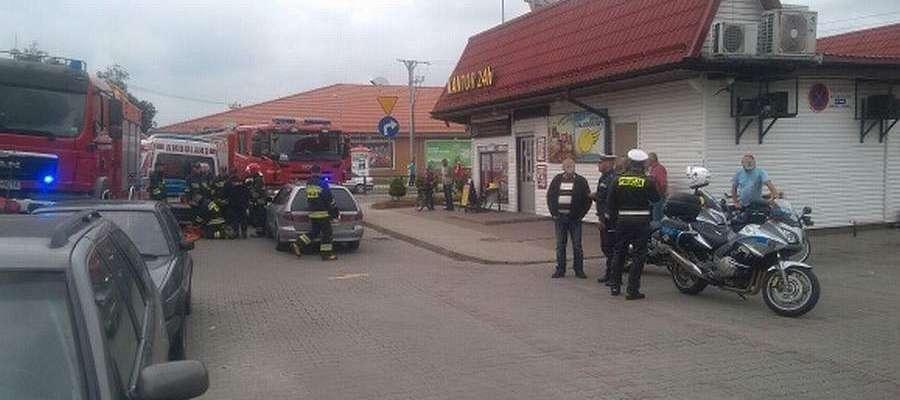W tym miejscu, na ul. Bema w Bartoszycach doszło do potrącenia kobiety przez cofające auto.