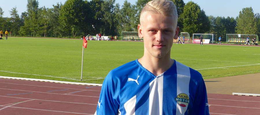 Adrian Zasuwa nie brał już udziału w środowym sparingu z Radomniakiem, przed pierwszym gwizdkiem złożył podpis pod umową transferową (wypożyczenie) do GKS-u Wikielec