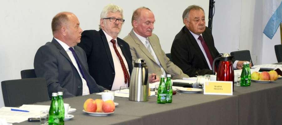 Głos w dyskusji zabierali m.in. Janusz Wiśniewski i Ryszard Prusinowski