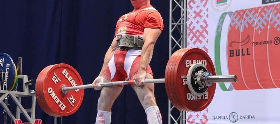 Mariusz Grotkowski jest piątym trójboistą siłowym świata fot. facebook