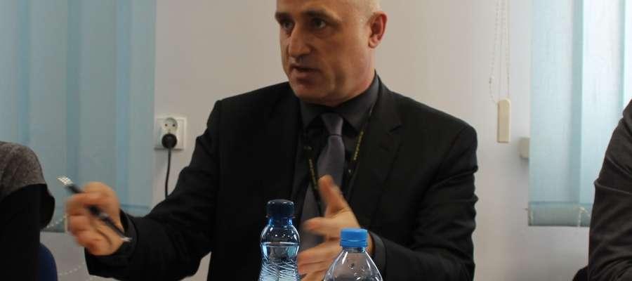 Zbigniew Białczak nie kryje zadowolenia, że mimo trudnej sytuacji w służbie zdrowia żuromiński szpital mógł sobie pozwolić na dodatki do pensji pracowników