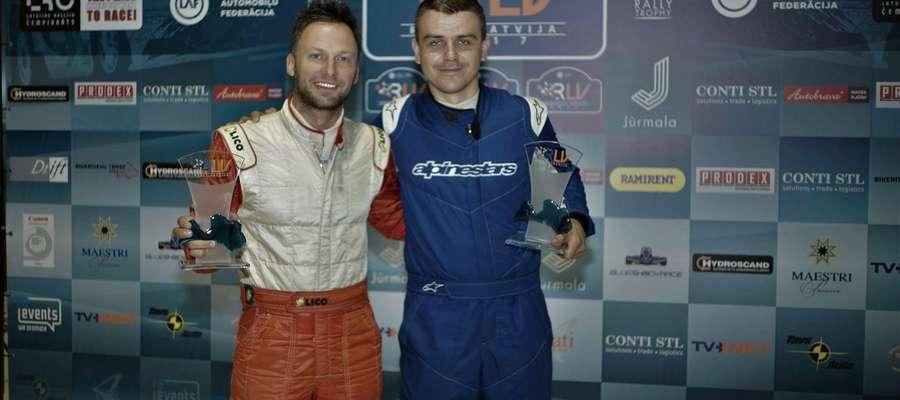 Adam Binięda (z lewej) i Sebastian Chrzanowski już po Rajdzie Łotwy
