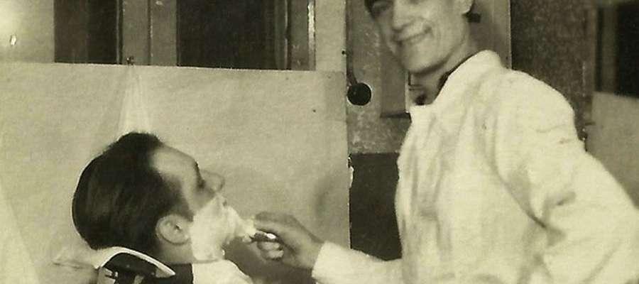 Józef Jabłoński podczas pracy