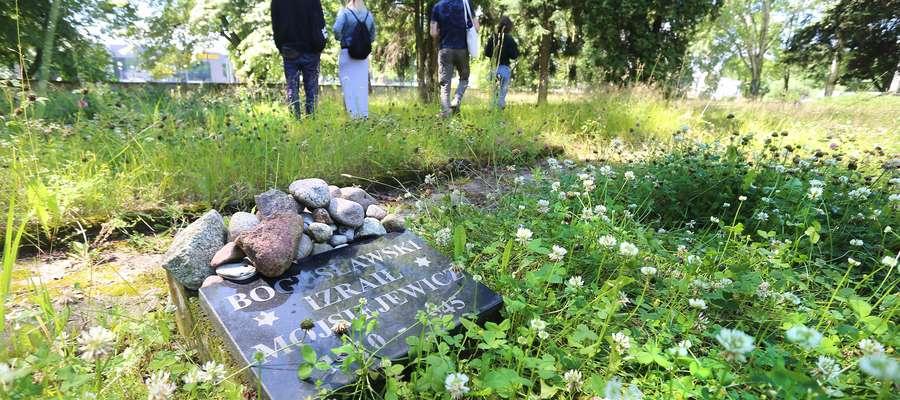 Муниципальные власти навели порядок на воинском кладбище в Ольштыне