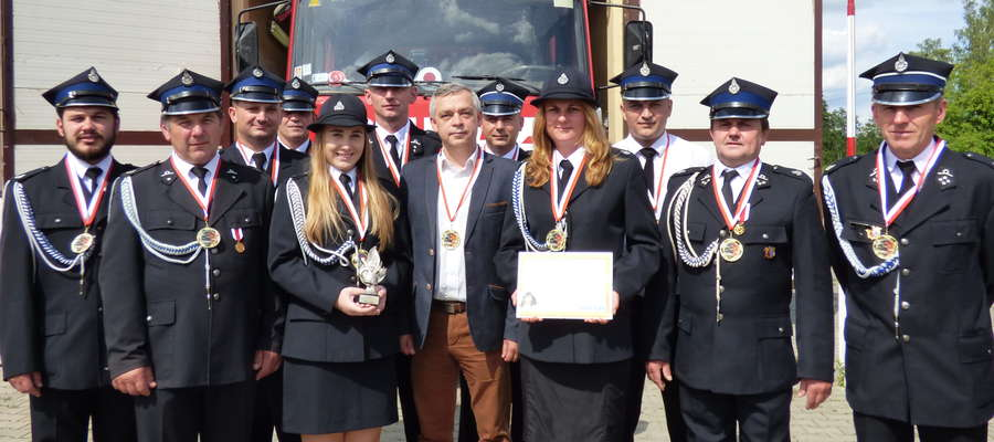 Strażacy zostali uhonorowani medalami