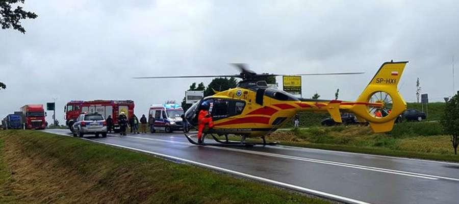 Do najpoważniej wyglądającego zdarzenia doszło w Kisielicach. Trzy kobiety z obrażeniami zostały przetransportowane do szpitali, w tym jedna helikopterem