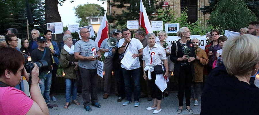 Protest przeciwko zmianom w sądownictwie i polityce PiS
