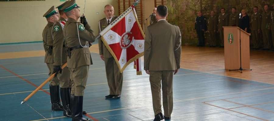 Uroczyste przekazanie Warmińsko-Mazurskiego Oddziału Straży Granicznej przez płk SG Tomasza Semeniuka swojemu następcy ppłk SG Robertowi Inglotowi.