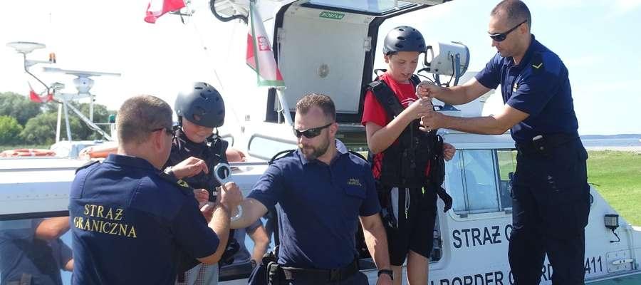 Patrole Straży Granicznej nad Zalewem Wiślanym