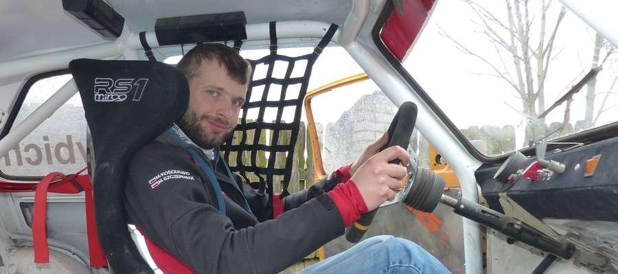 Cezary Dybich walczy nie tylko o wysokie miejsce w MP, ale przede wszystkim o rozwój rallycrossa w klasie fiat 126p