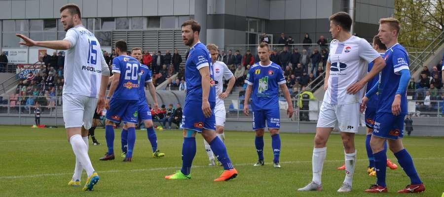 Robert Hirsz (z lewej) w nowym sezonie będzie piłkarzem Wisły Puławy