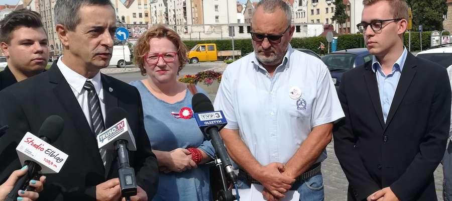 Dzisiejsze spotkanie prasowe na Placu Słowiańskim
