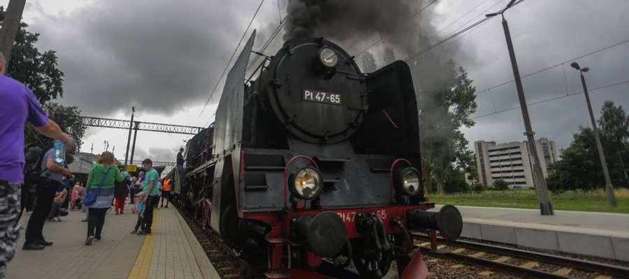 Pociąg retro na stacji w Elblągu