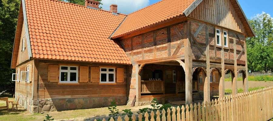Chałupa w olsztyneckim skansenie pochodzi z połowy XIX wieku ze wsi Królewo
