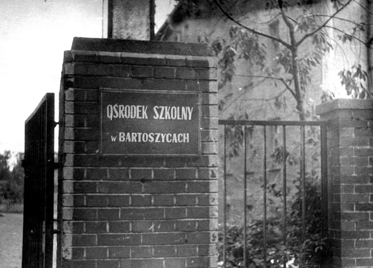 Już można zamówić monografię Liceum Pedagogicznego nr 2  w Bartoszycach - full image