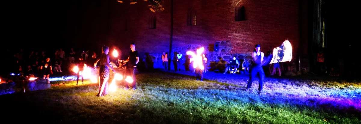 Ognisty Fire Space na podzamczu rozgrzał publiczność [zdjęcia] - full image