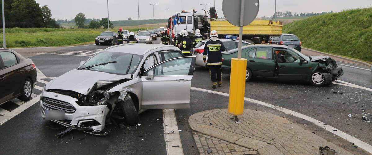 Wypadek na DK16 pod Barczewem. Dwójka dzieci w szpitalu - full image