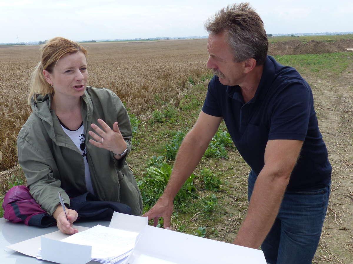 Konserwator Monika Maksymiuk i archeolog Antoni Smoliński