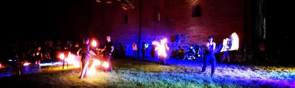 Ognisty Fire Space na podzamczu rozgrzał publiczność [zdjęcia]